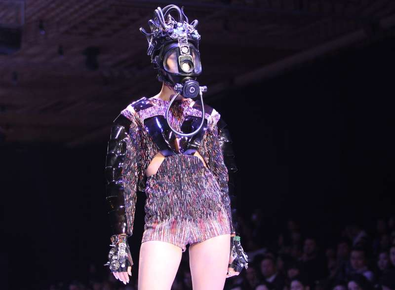 A model presents creations of Vietnamese designer Nguyen Cong Tri during the Vietnam International Fashion Week 2014 in Ho Chi Minh city, Vietnam