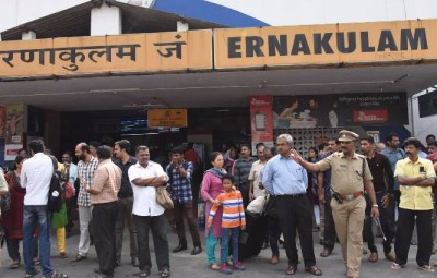 People stranded at Ernakulam station during a dawn-to-dusk state wide strike called by UDF and BJP to protest against police action against parents of Jishnu Pronoy (Photo: IANS)