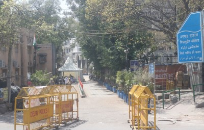 New Delhi: Police barricades seen outside the Nizamuddin Dargah - the shrine of famous sufi saint Nizamuddin Auliya after 24 people tested coronavirus positive at the markaz Nizamuddin in Delhi, on March 31, 2020. (Photo: IANS)